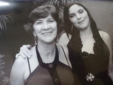 Minha mãe, pessoa que mais amo nessa vida, a responsável por tudo e eu